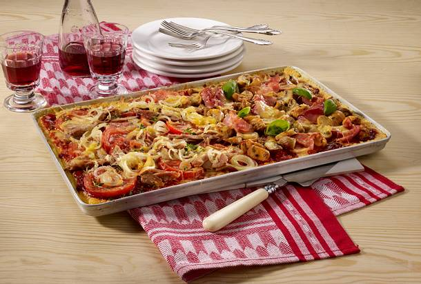 Omelett-Pizza mit zweierlei Belägen Rezept