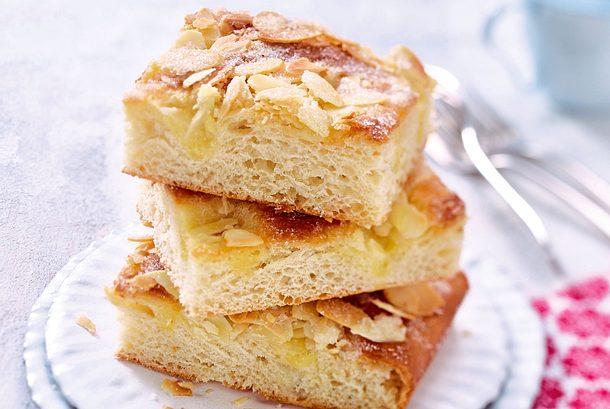 Omis Klassiker Butterkuchen mit Zucker-Mandel-Kruste Rezept
