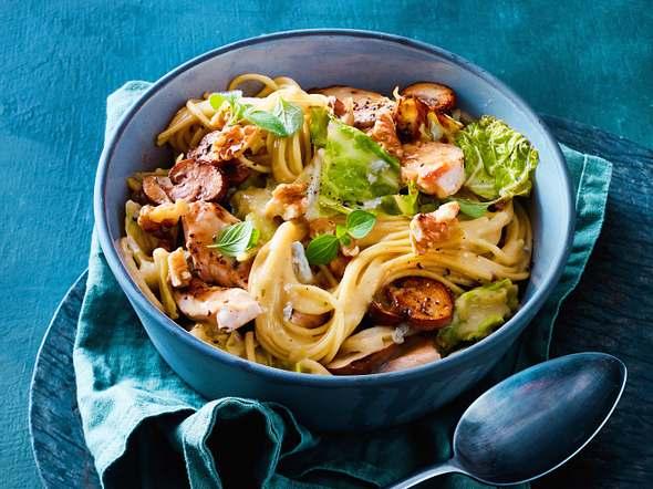 One Pot Pasta mit Hähnchen und Gorgonzolasoße Rezept