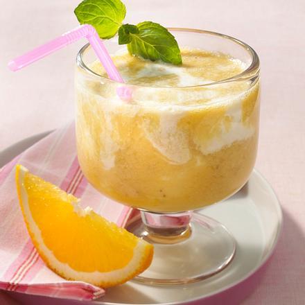 Orangen-Bananen-Smoothy mit Kokosmilch Rezept