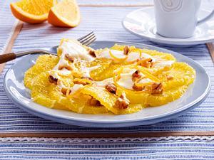 Orangen-Carpaccio mit Honig-Frischkäse und Walnüssen Rezept