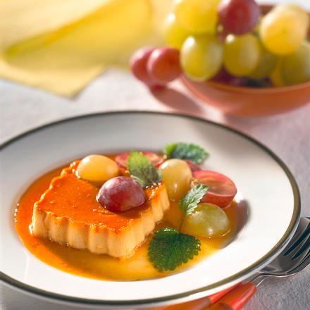 Orangen-Karamell-Creme mit Trauben Rezept