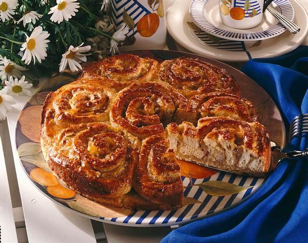 Orangen-Marzipan-Rosenkuchen Rezept