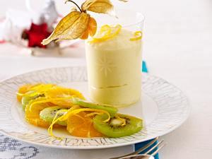 Orangenmousse mit Mandarinen und Kiwi Rezept