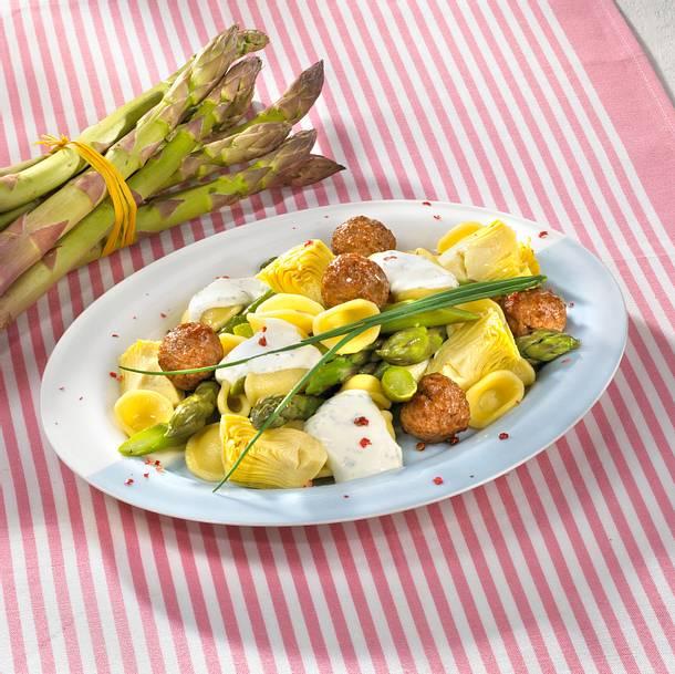 Orecchiette mit Hackbällchen und grünem Spargel in Frischkäsesoße Rezept