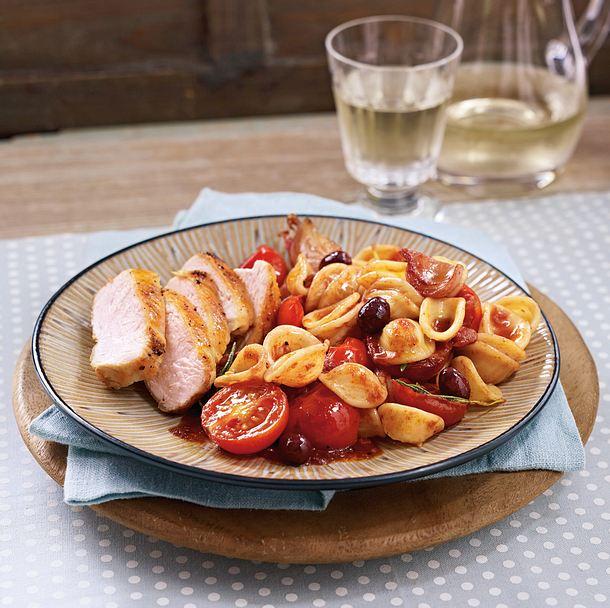 Orecchiette mit Hähnchen in Rotwein-Tomatensoße Rezept
