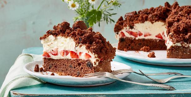 Oreo-Maulwurf-Kuchen mit Erdbeeren Rezept