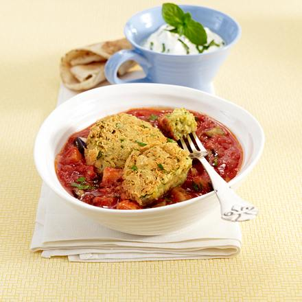 Orientalische Falafel-Bulette in Tomaten-Auberginen-Gemüse Rezept