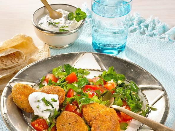 Orientalische Falafel zu Petersilien-Salat  Rezept