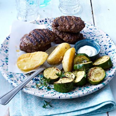 Orientalische Frikadellen mit Grill-Kartoffeln Rezept