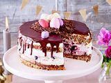 Oster-Torte mit Kirschen und weißer Schokolade Rezept