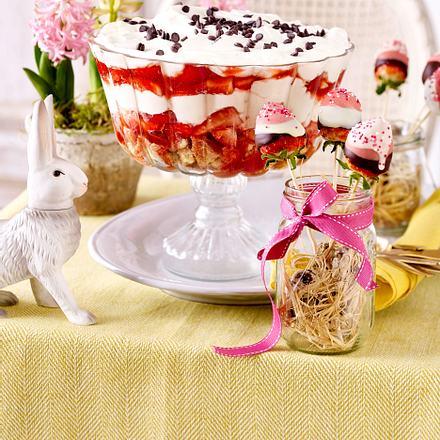 Osterbrunch – Erdbeer-Mascarpone-Dessert mit Erdbeer-Pops Rezept
