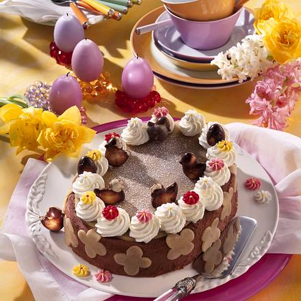 Osterei-Torte mit Schokoladenküken Rezept