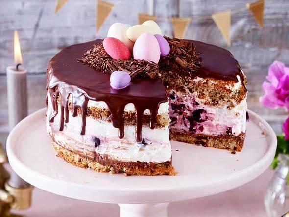 Ostertorte mit Kirschen und Schokolade Rezept