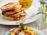 Pancakes mit Ananas-Minz-Ragout und Vanillecreme Rezept