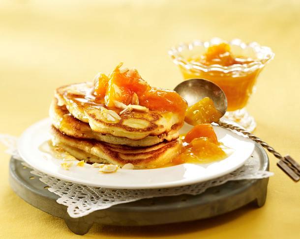 Pancakes mit Aprikosen-Kompott Rezept