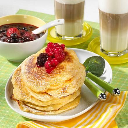 Pancakes mit Beerencocktail Rezept