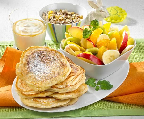 pancakes mit obstsalat rezept chefkoch rezepte auf kochen backen und schnelle. Black Bedroom Furniture Sets. Home Design Ideas