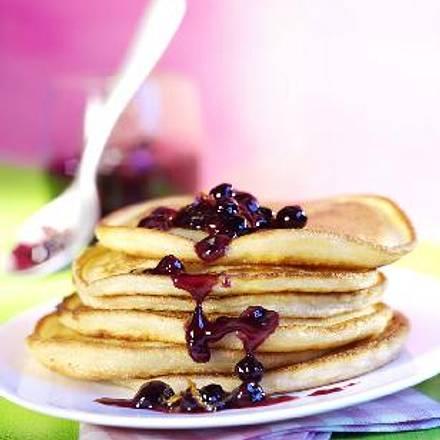 Pancakes (Pfannkuchen) mit Orangen-Blaubeer-Sauce Rezept