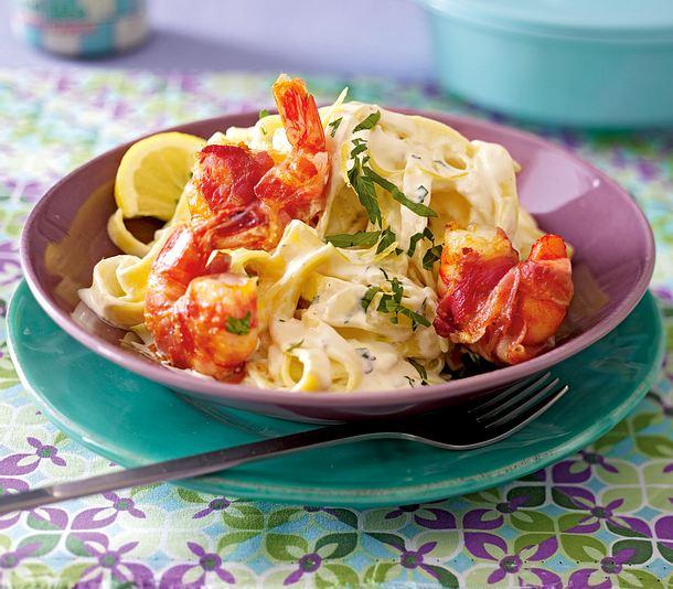 Pancetta-Garnelen auf Tagliatelle mit Zitronen-Mascarpone-Soße Rezept