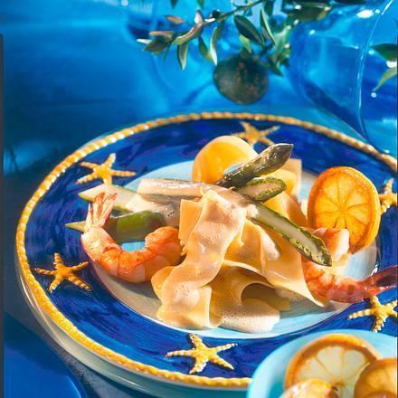 Papardelle mit Garnelen, grünem Spargel und Zitronenschaumsauce Rezept