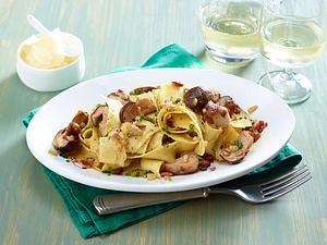 Pappardelle mit frischen Steinpilzen und Parmesan Rezept