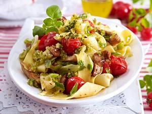 Pappardelle mit Pesto-Tomaten Rezept