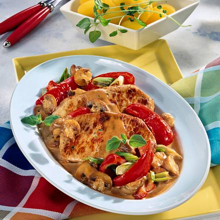 Paprika-Schnitzel mit Champignons Rezept