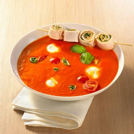 Paprika-Tomatensuppe mit Putenbrustspießen Rezept