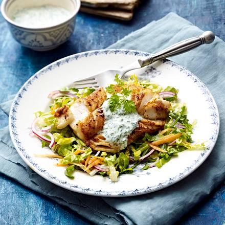 Paprikafisch mit Kräuterjoghurt und Salat Rezept