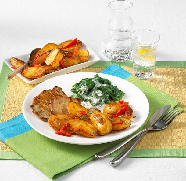 Paprikakartoffeln mit Rahmspinat und Minutensteaks Rezept