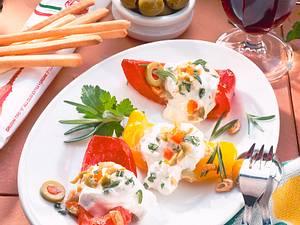 Paprikaschiffchen mit Käsecreme Rezept