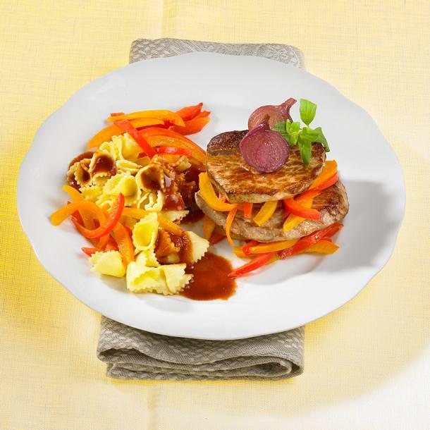 Paprikaschnitzel mit Knöpflinudeln Rezept
