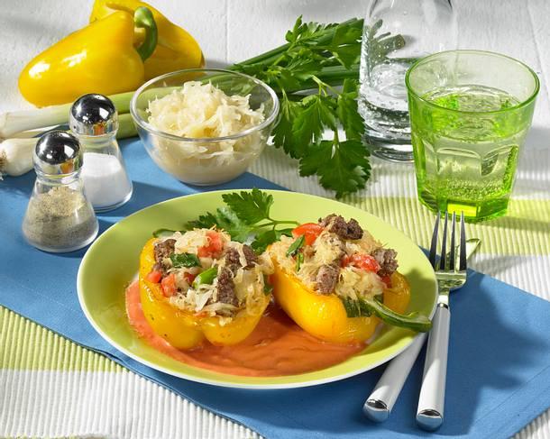 Paprikaschoten mit Sauerkraut-Tatarfüllung Rezept