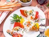 Paprikastücke mit Frischkäse-Oliven-Knoblauchcreme Rezept