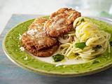 Parmesanschnitzel zu Zitronenspaghetti Rezept