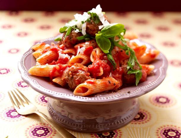 Pasta Amatriciana und Hackbällchen Rezept