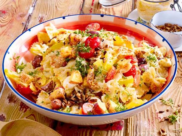 Pasta-Salat mit Joghurt-Pesto Rezept