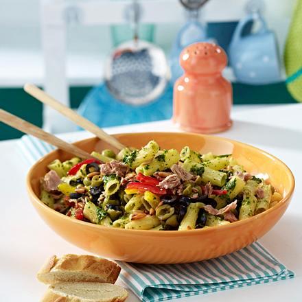 pastasalat mit salsaverde und thunfisch rezept lecker. Black Bedroom Furniture Sets. Home Design Ideas