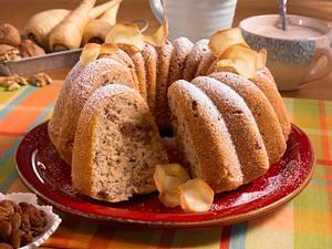Pastinaken-Napfkuchen mit Walnüssen und Rosinen Rezept