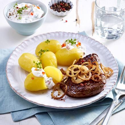 Pellkartoffeln mit Paprikaquark zu Rindersteak Rezept
