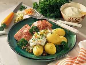Pellkartoffeln mit Sülze und Joghurt-Remoulade Rezept