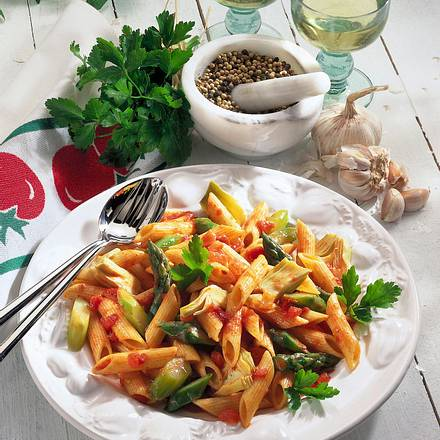 Penne in Gemüse-Tomatensoße Rezept