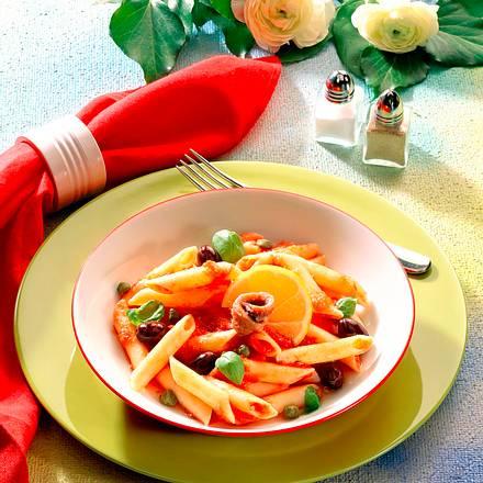 Penne in Tomaten-Kapernsoße Rezept