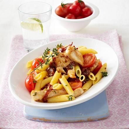 Penne mit Hähnchen und Tomaten (Schlank im Schlaf) Rezept