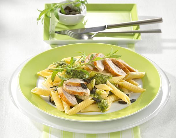 Penne mit Hähnchenfilet und Pesto Rezept