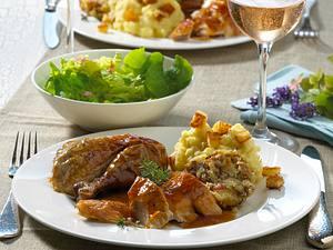 Perlhuhn mit Brioche-Füllung zu Kartoffelpüree mit Croûtons Rezept