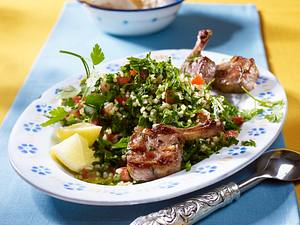 Petersiliensalat à la Tabouleh zu Lammkoteletts Rezept