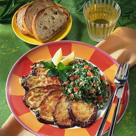 Petersiliensalat mit gebratenen Auberginen Rezept