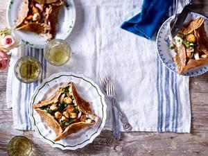 Petites galettes bretonnes (gefüllte Buchweizenpfannkuchen mit Pilz-Spinat-Gemüse) Rezept